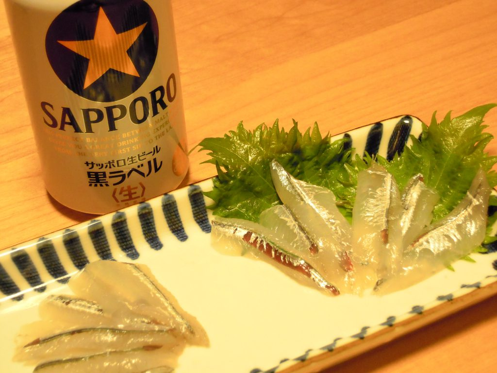 サヨリの刺身とビール