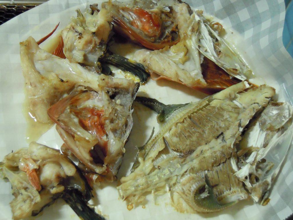 魚のアラをオーブンで30分焼く